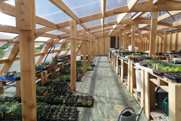 serre semis bioclimatique croq 39 jardin le p le eco design. Black Bedroom Furniture Sets. Home Design Ideas