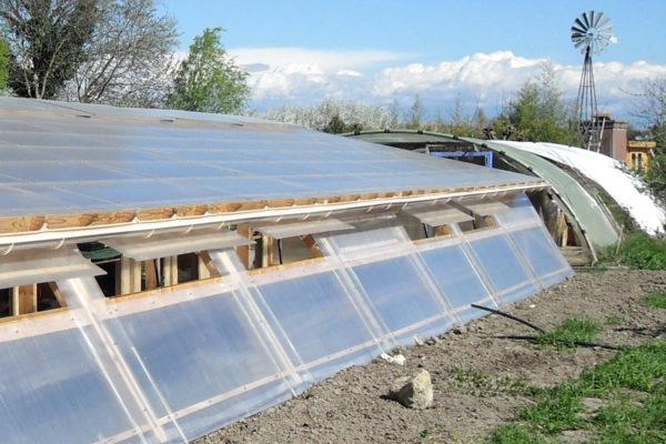 Serre à semis bioclimatique à Croq\'Jardin | Le Pôle Eco Design